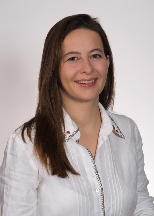 Dr. med. dent. Sieglinde Hattinger - Zahnarzt Innsbruck - Tirol - Portrait